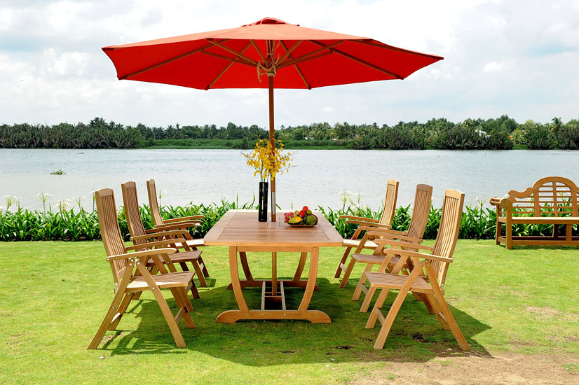 Outdoor Set: Five Position Chair & U Rectangular Table