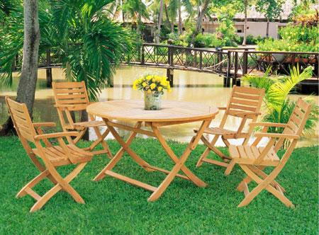 Folding Armchair & Round Folding Table