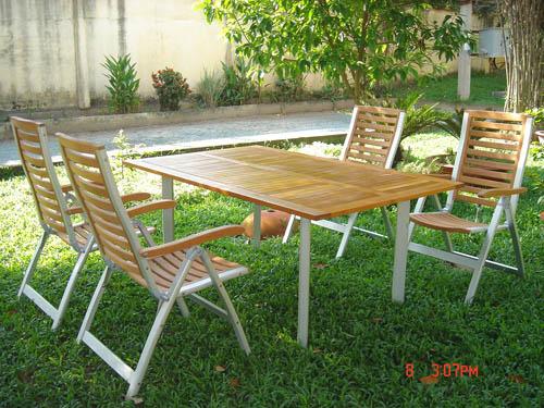 Rectangular Table & Five Posittion Armhair With Alu Frame