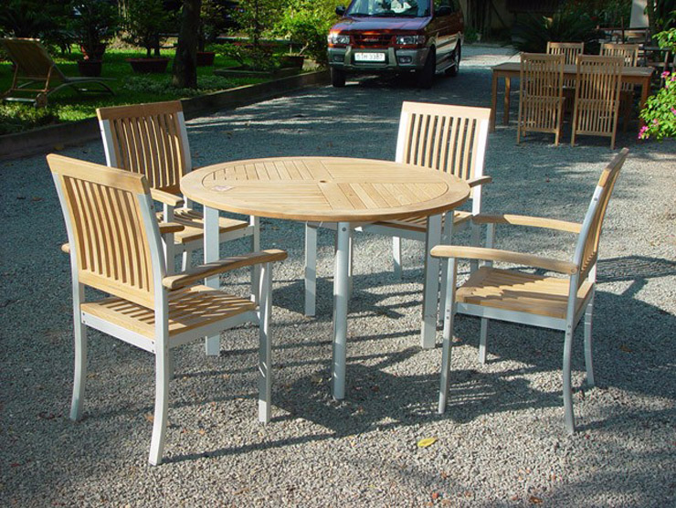 Round Table & Stacking Armchair With Aluminium