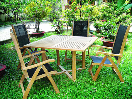 Square Table & Five Position Chair With Textilene